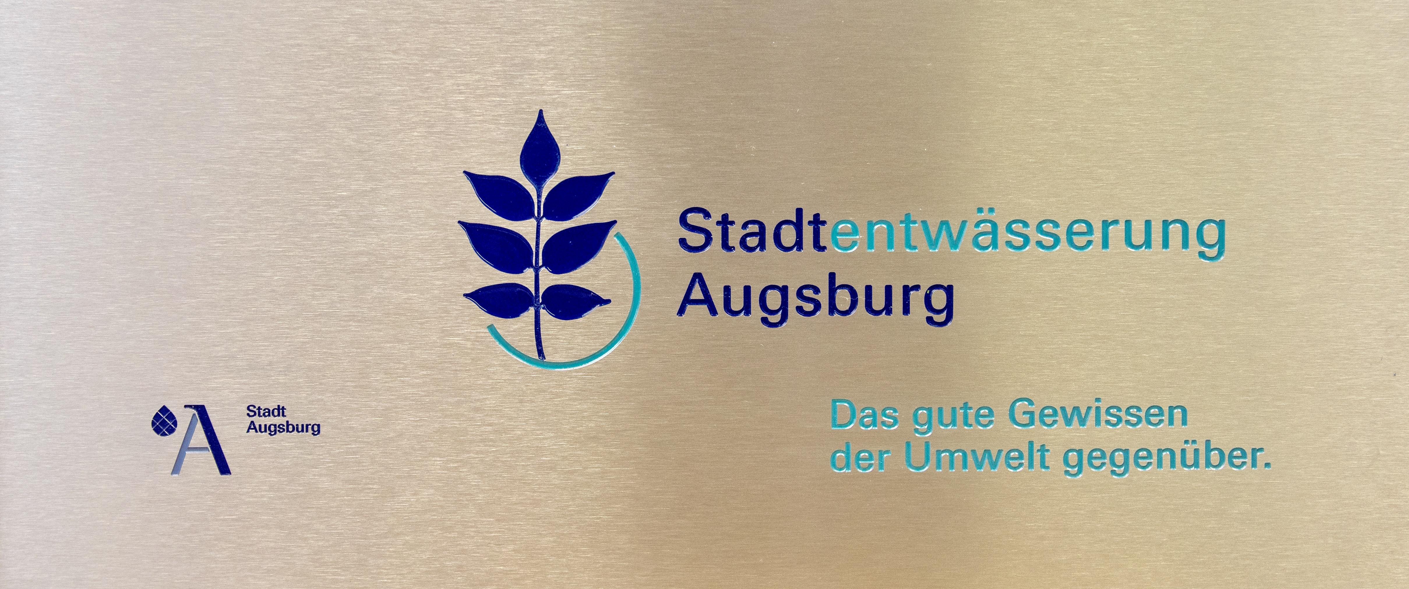 Auslegen mit Farbe, Naujok Gravierwerkstätte GmbH & Co.KG
